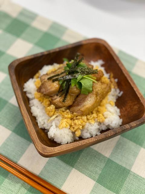 雉焼き丼ぶりのかば焼き風味